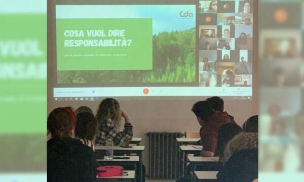 """All'Istituto Deganutti incontro per gli studenti sulle """"società benefit"""""""
